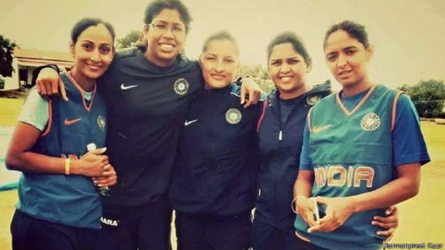हरमनप्रीत कौर, झूलन गोस्वामी और अन्य भारतीय महिला खिलाड़ी