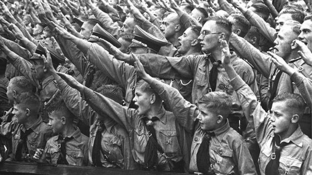 نازیها برنامههای زیادی برای کودکان و نوجوانان داشتند (۱۹۳۶)