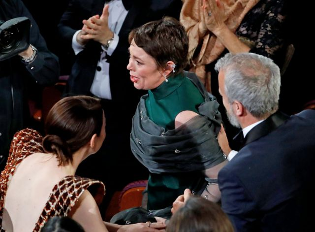 """Оливия Колман получила первый """"Оскар"""" за роль британской королевы Анны"""