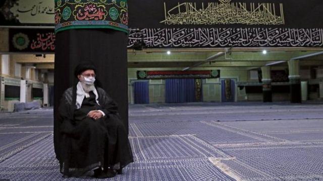 مراسم عزاداری دهه اول محرم امسال در مقر آیت الله خامنه ای در یک سالن خالی از جمعیت برگزار شد