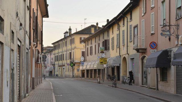Una calle de Castiglioni d'Adda