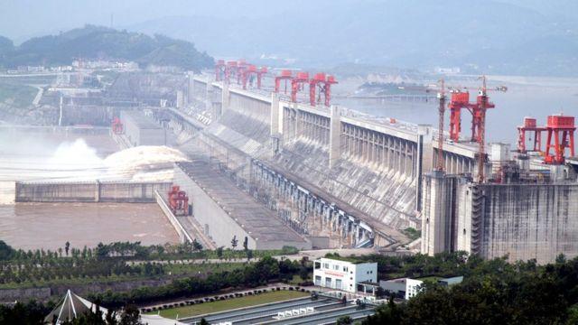 """Знаменитая дамба """"Три ущелья"""" в Китае"""