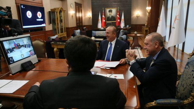 Cumhurbaşkanı Erdoğan 17 Mayıs'ta telefonferans yönetimiyle Maduro'yla görüştü ve iki ülke arasında iki anlaşma imzalandı.