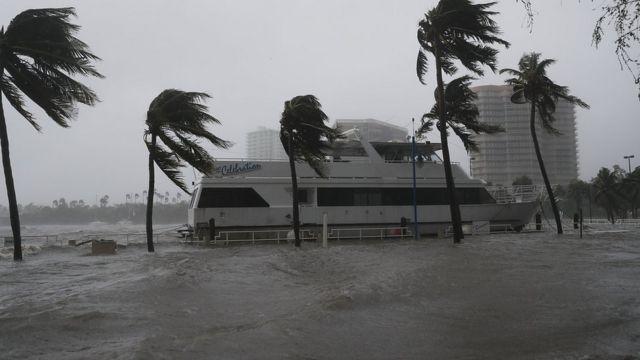 इरमा तूफ़ान