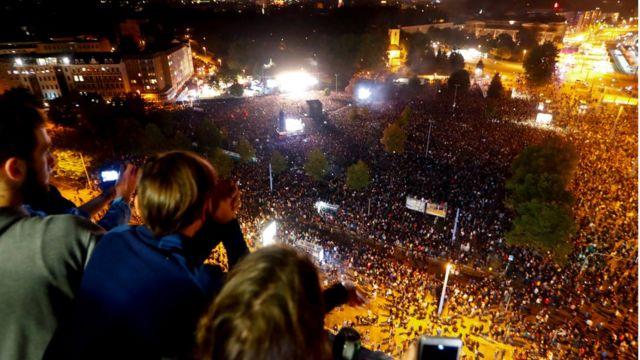 Chemnitz'te 65 bin kişi toplandı.