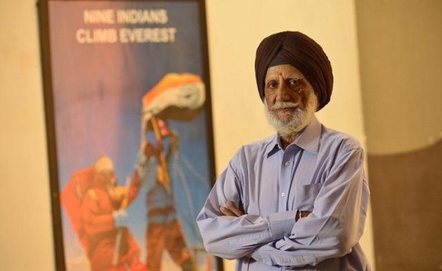 अंतरराष्ट्रीय स्तर पर ख्यातिप्राप्त पर्वतारोही कप्तान एमएस कोहली ने भारतीय टीम का नेतृत्व किया