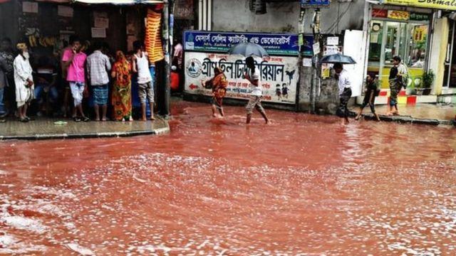 Dakka sel suları qanla qarışıb