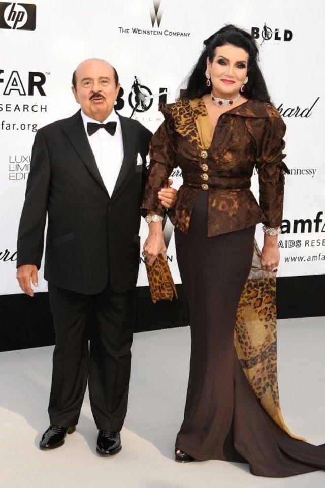 عدنان خاشقجي وزوجته لمياء