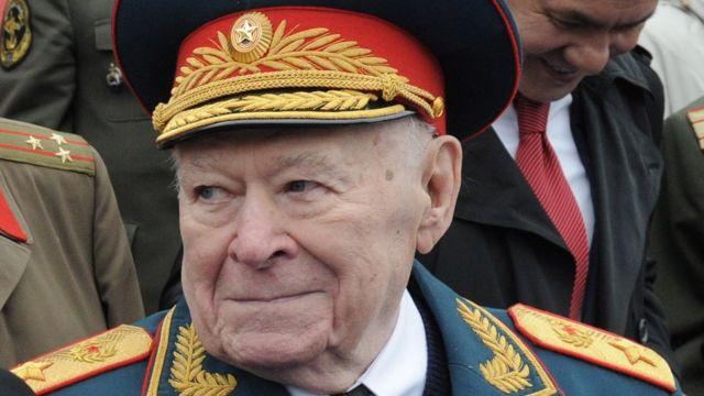 генерал армии Филипп Бобков (9 мая 2012 года)