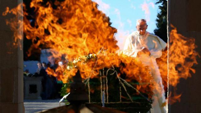 Papa Francis Şəhidlər Xiyabanını ziyarət edib