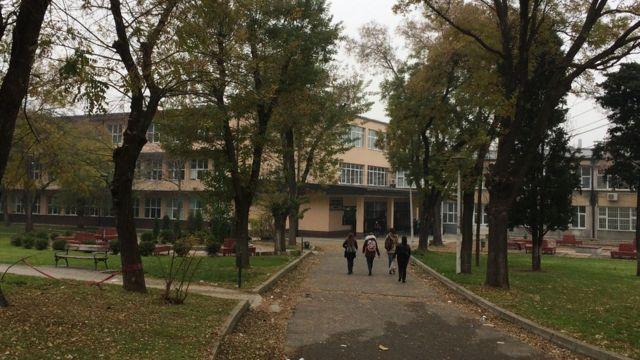 Escuela en Veles