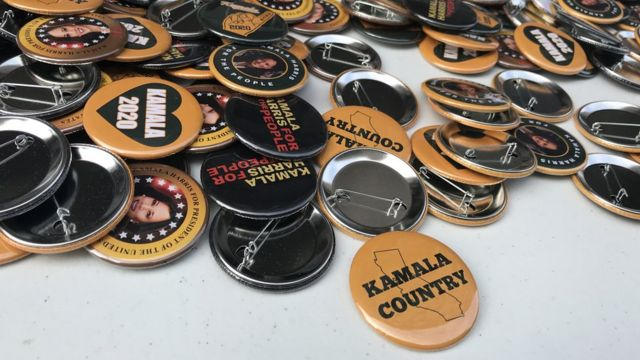 """button that says """"Kamala Country"""""""