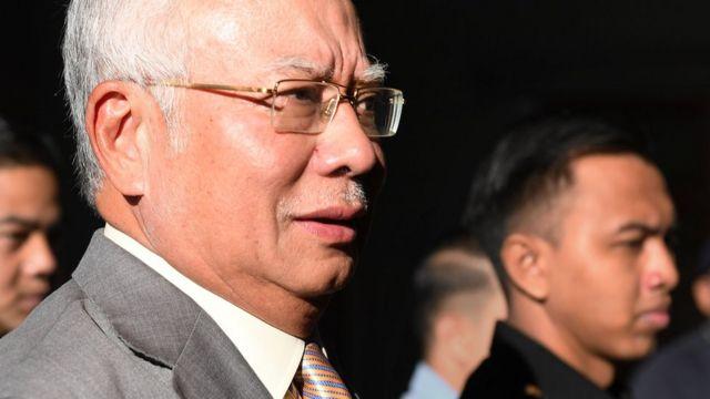 Mantan PM Malaysia Najib Razak di ruang pengadilan.