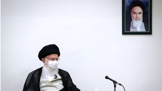 """آیت الله خامنه ای گفته آنچه درباره تحریم آمریکا و بازگشت به برجام از سوی ایران گفته شده """"سیاست قطعی"""" است"""