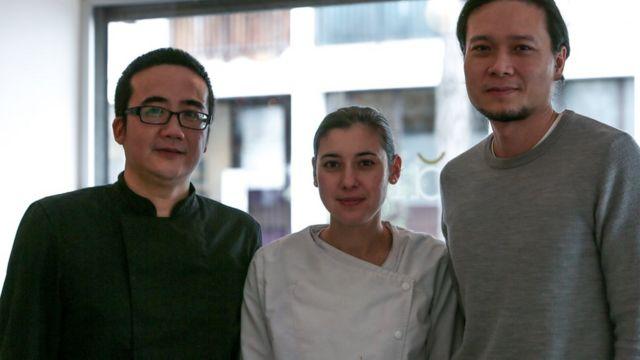 Từ trái qua: Phạm Hồng Nhật, Adeline và Nguyễn Việt