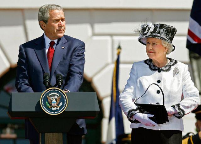 زوی بوش پر ۲۰۰۷ کال امریکا ته د شپږ ورځني سفر پر مهال د ملکې هرکلی وکړ