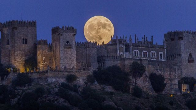 Supermoon, bulan, Spanyol