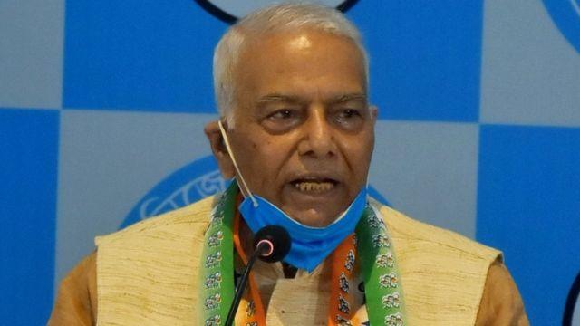 राम , मंदिर जमीन  को  लेकर  केंद्रीय मंत्री यशवंत सिन्हा ने      PM,मोदी  पर निशाना साधा