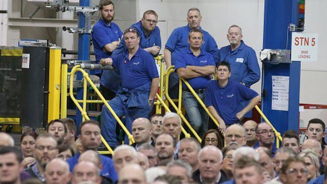 radnici u fabrici