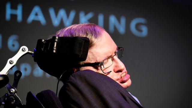 El físico y cosmólogo británico, Stephen Hawking, recibió amenazas de muerte de una mujer en España.