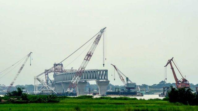 Construcción del puente Padma, septiembre de 2018