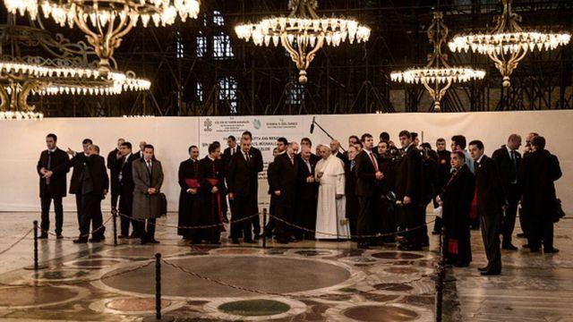 2014-cü ildə Papa Francis İstanbulu ziyarət edəndə Ayasofyanı da gəzib
