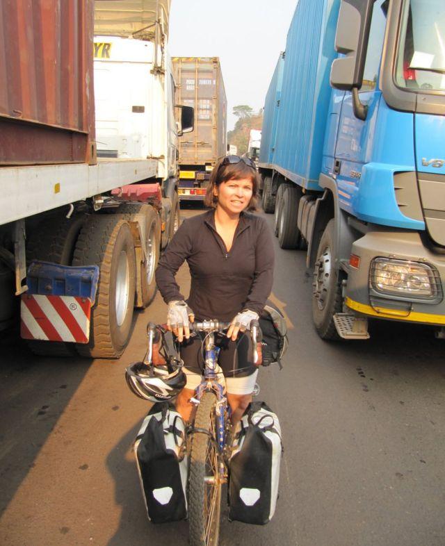 Lucy em bicicleta
