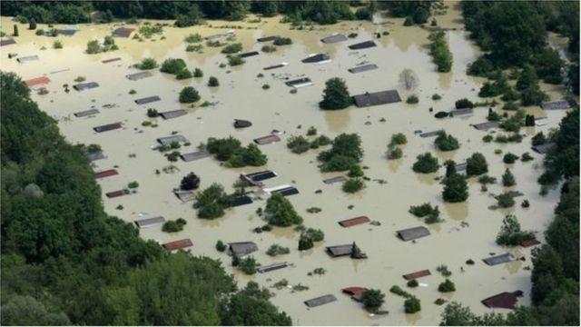 Cảnh ngập lụt làng Deggendorf, vùng Bavarian, nam nước Đức năm 2013.