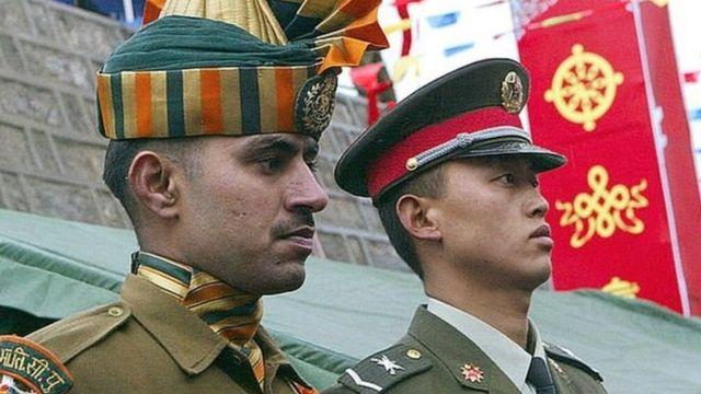 چينی اور بھارتی فوجی
