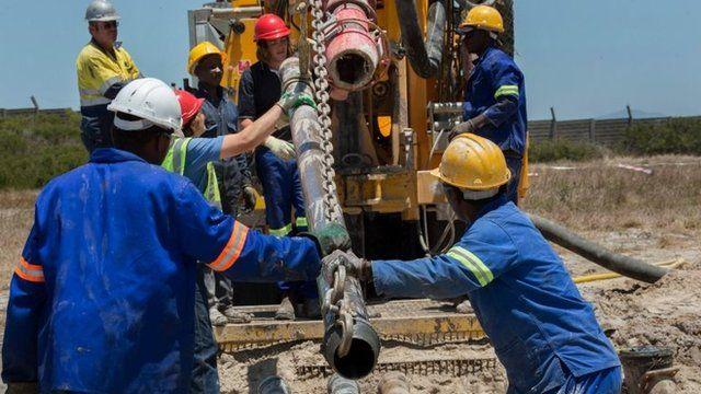 Perforación en acuífero de Ciudad del Cabo para extraer agua subterránea.