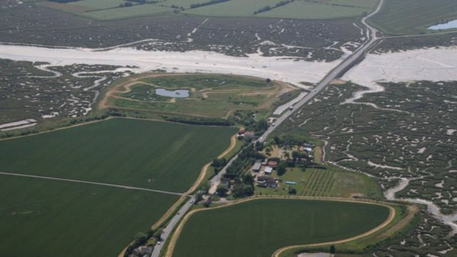 Drivers rescued from Mersea Island causeway
