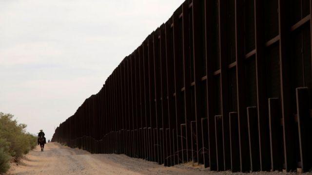 Valla fronteriza entre México y Estados Unidos