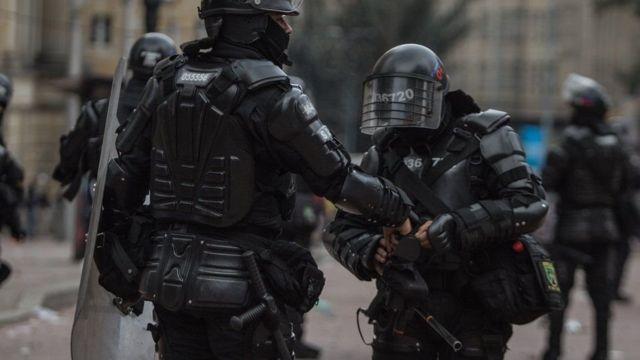 Esquadrão antiprotestos na Colômbia