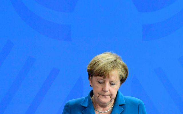"""La canciller alemana Angela Merkel dijo en conferencia de prensa que el atacante se habría """"radicalizado por su cuenta""""."""