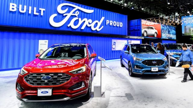 Exposición de automóviles Ford