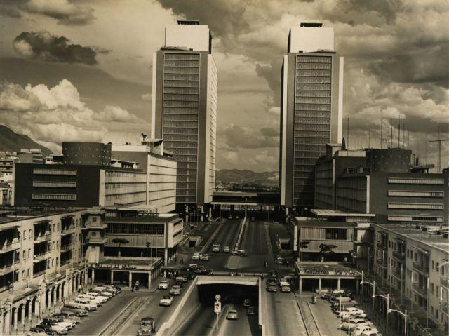 Foto antigua aérea del Centro Simón Bolívar en 1954.