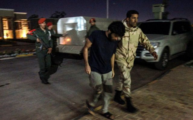Подозреваемый сирийский наемник, взятый в плен в Ливии войсками генерала Хафтара