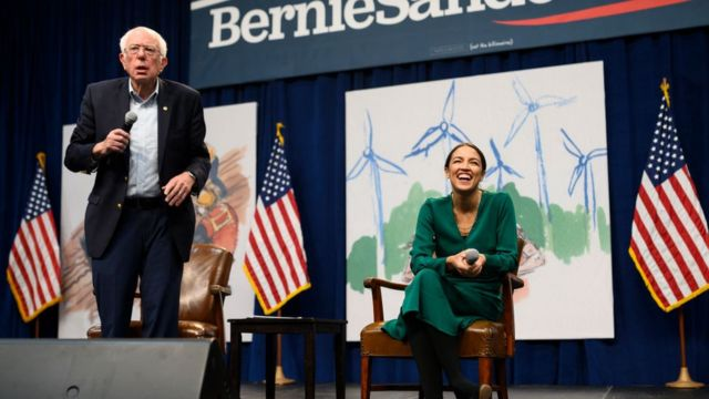 Bernie Sanders y Alexandria Ocasio-Cortez