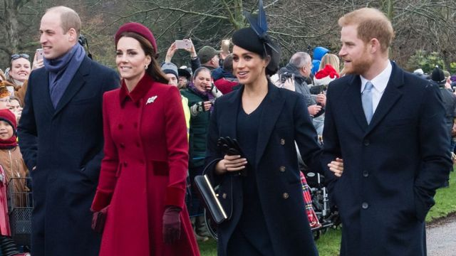 Prince William, Duc de Cambridge, Catherine, Duchesse de Cambridge, Meghan, Duchesse de Sussex et le Prince Harry, Duc de Sussex qui se rendent au service de Noël en Angleterre.
