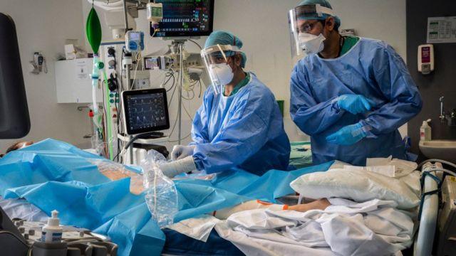 Paciente hospitalizado en Londres, Reino Unido.