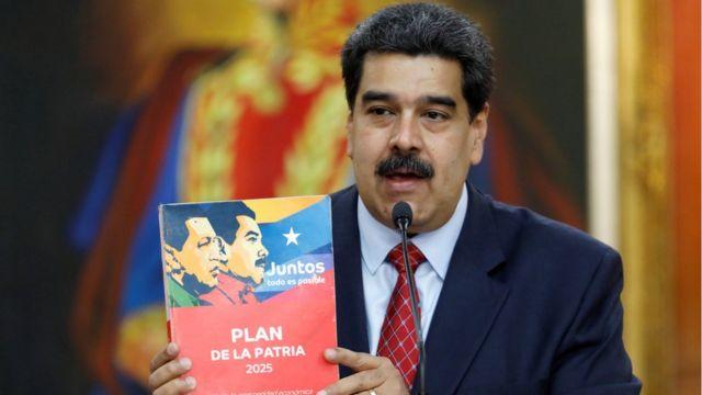 Nicolás Maduro en rueda de prensa en el Palacio de Miraflores el viernes 25 de enero