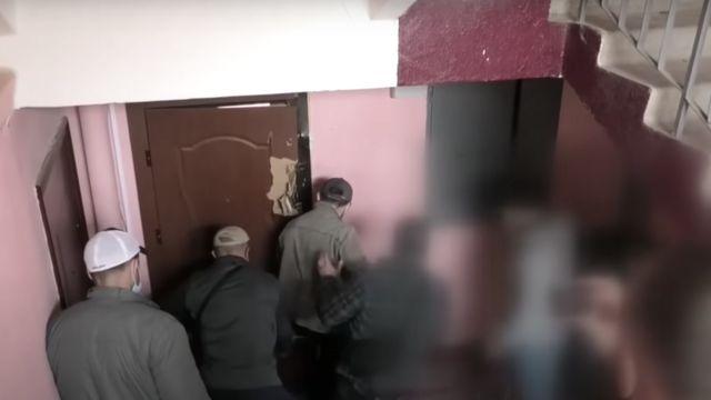 """Ловить """"опасного преступника"""" силовики пришли в гражданском"""