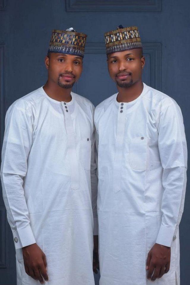Di twin grooms