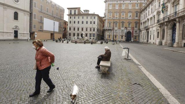 Plaza de Roma semi vacía