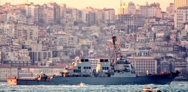 کشتی یواساس پورتر از تنگه بسفر عبور میکند
