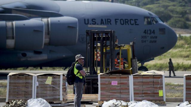 Ayuda para Venezuela transportada en aviones de la Fuerza Aérea de EE.UU.