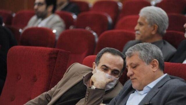 مرتضی رحمانزاده، شهردار منطقه ۱۳ تهران که مشکوک به ابتلا به ویروس کرونا است هفته گذشتنه در کنار محسن هاشمی، رئیس شورای شهر تهران