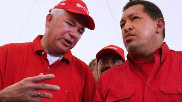 Rafael Ramírez y Hugo Chávez.