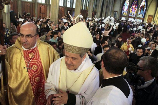 Juan Barros asumiendo como obispo de Osorno