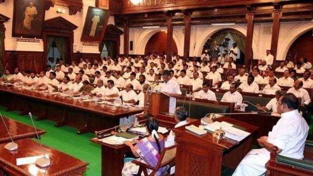 தினகரன் ஆதரவு எம்.எல்.ஏக்கள் 18 பேர் தகுதிநீக்கம்